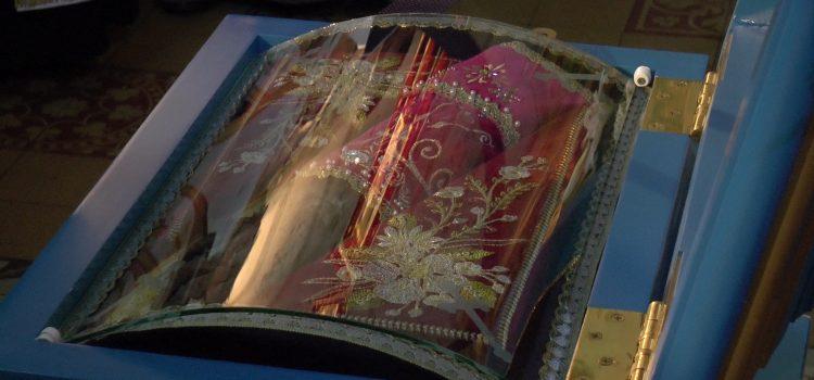 Ruma: Stigao kivot sa moštima majke Angeline