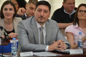 Владимир Гак