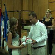 Stara Pazova: Nagrađeni najbolji đaci