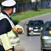 Saobraćajna policija svakog dana kontroliše brzinu kretanja vozila u Laćarku