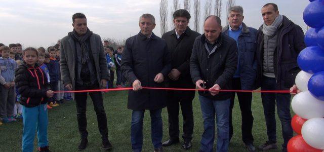 "Bačka Palanka: Otvoren fudbalski teren na stadionu ""Stari grad"""