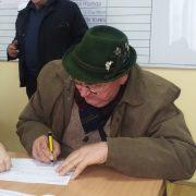 Inđija: Potpisani ugovori za veštačko osemenjavanje