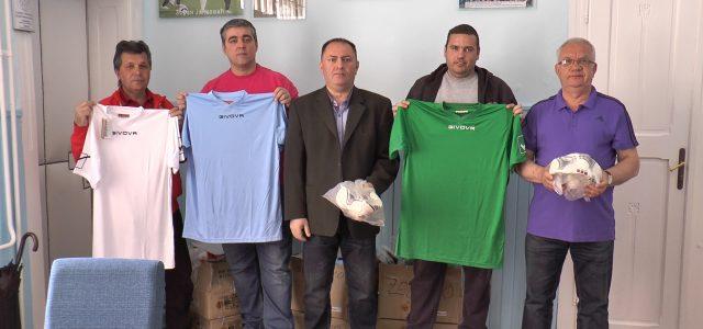Inđija: Nova oprema za fudbalere