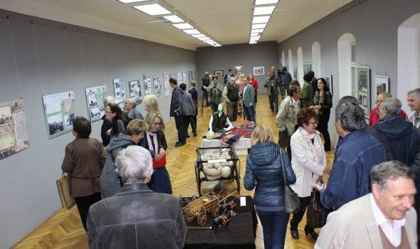 """Zavičajni muzej Ruma: Otvorena izložba """"270 godina Rumskog vašara"""""""