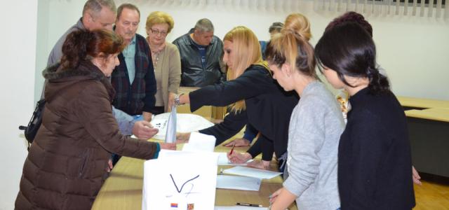 Pećinci: Ubedljiva pobeda Srpske napredne stranke