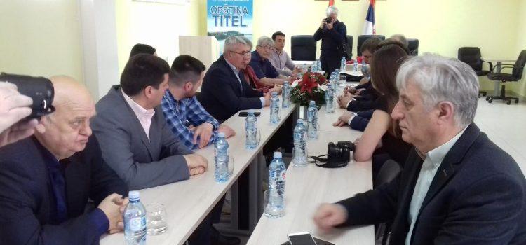 Titel: Poseta ruske delegacije