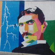 Inđija: Mural Nikole Tesle osvanuo na zgradi Vatrogasnog doma