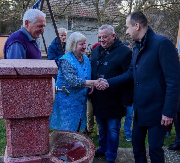 Sekretar Radojević otvorio vodovod u Bikić Dolu i Privinoj Glavi