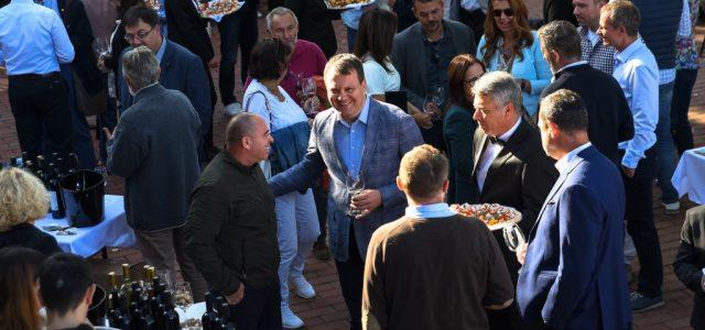 """ČORTANOVCI: Mirović otvorio manifestaciju """"Vojvodina Wine show"""""""