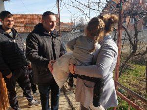 Predsednik Opštine Gračanica obišao socijalno ugrožene porodice u Livađu i Gušterici