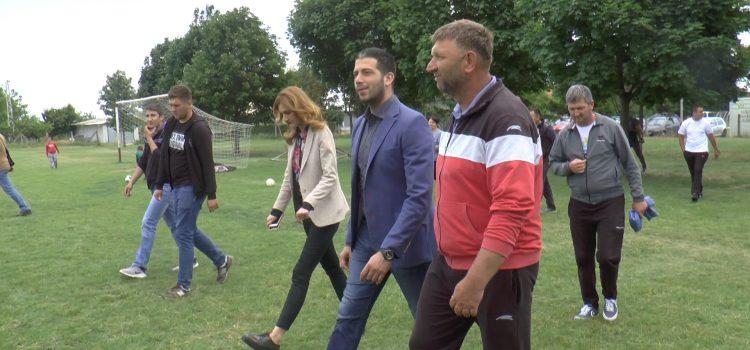 Ministar omladine i sporta Vanja Udovičić u poseti iriškoj opštini