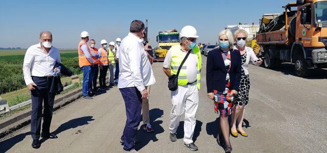 Ministarka Zorana Mihajlović u obilasku radova na deonici puta Ruma-Pećinci (VIDEO)