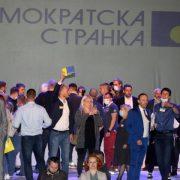 DOK SE SVI BORE PROTIV KORONE, ZELENOVIĆ JE BEZOBZIRNO ŠIRI: Skandalozno okupljanje Đilasovih pristalica u Šapcu