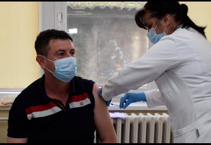 Velik odziv stanovnika za vakcinaciju u pećinačkoj opštini