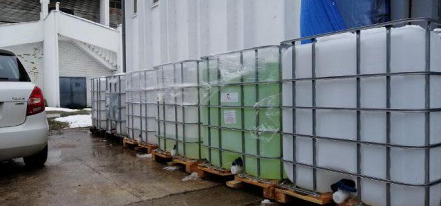 Uklonjene cisterne sa dezinfekcionim sredstvom