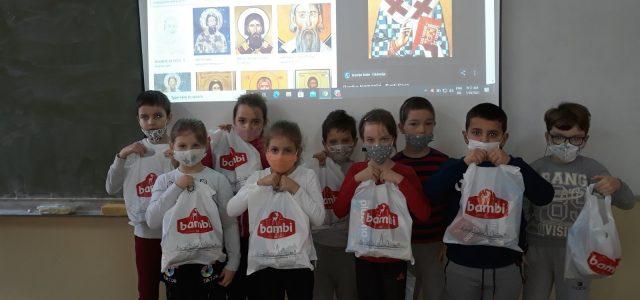 Svetosavski paketići za 2830 osnovaca u Sremskoj Mitrovici