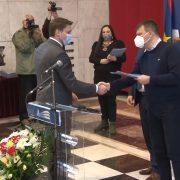 Mirović uručio ugovore predstavnicima lokalnih samouprava