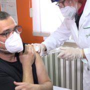 Ministar Nedimović primio vakcinu (VIDEO)