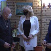 "Ministarka Darija Kisić i državni sekretar Mirsad Đerlek posetili Gerontološki centar ""Srem"" u Rumi"