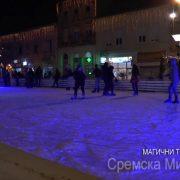 Sremska Mitrovica: Magični trg proteklog vikenda privukao najmlađe sugrađane uz Deda Mraza