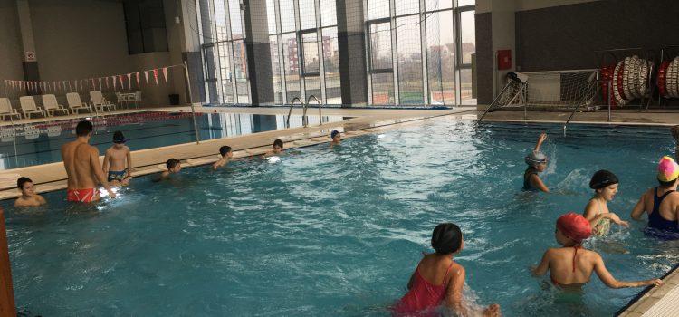 Gradski bazen u Sremskoj Mitrovici: Besplatna škola plivanja daje rezultate