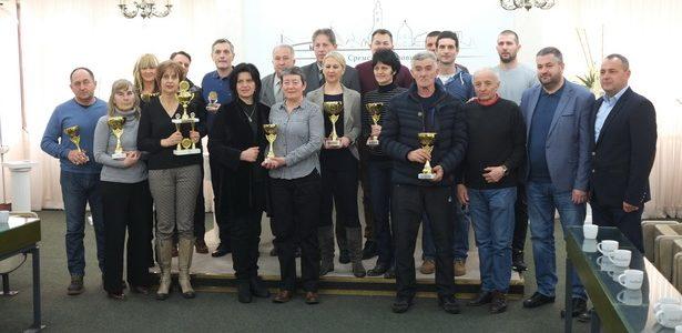 Inđijske škole dobile priznanja u oblasti školskog sporta