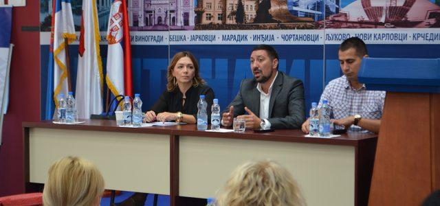 Inđija: Uručeni ugovori za subvencije u poljoprivredi