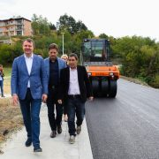 """Mirović obišao radove na izgradnji """"Staze zdravlja"""" u Vrdniku"""
