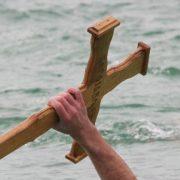 Prijave za plivanje za Časni krst u Inđiji