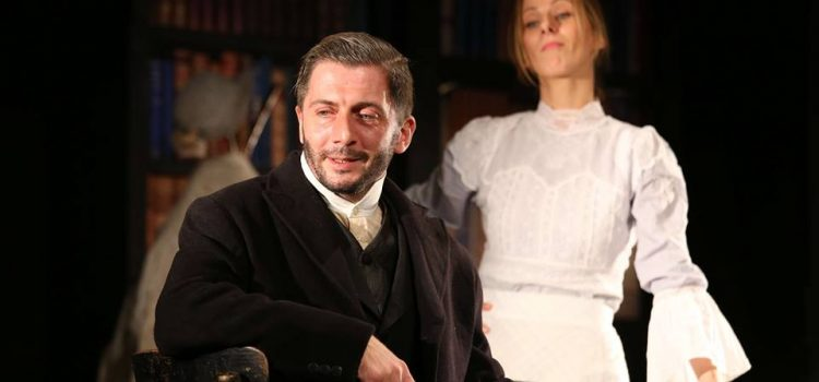 """Predstava """"Tamo, daleko…"""" gostuje u Srpskom narodnom pozorištu"""