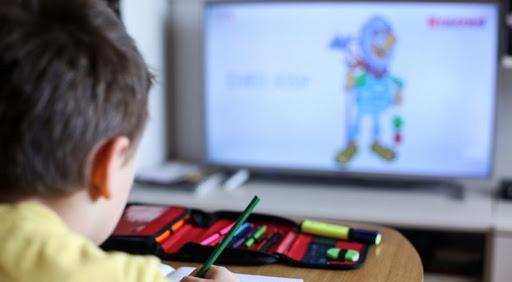 Promena kalendara obrazovno-vaspitnog rada u osnovnim i srednjim školama