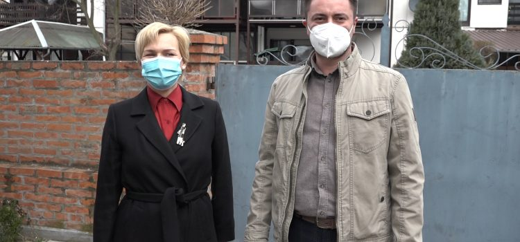 Poseta petnaestohiljaditoj vakcinisanoj Mitrovčanki (VIDEO)
